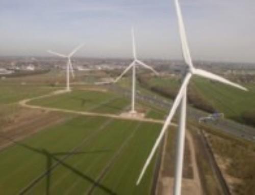 Eerste nieuwe windmolens draaien voor Schiphol
